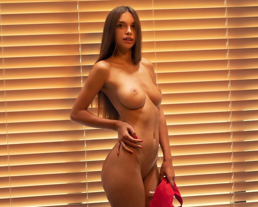 Alina d penta nude