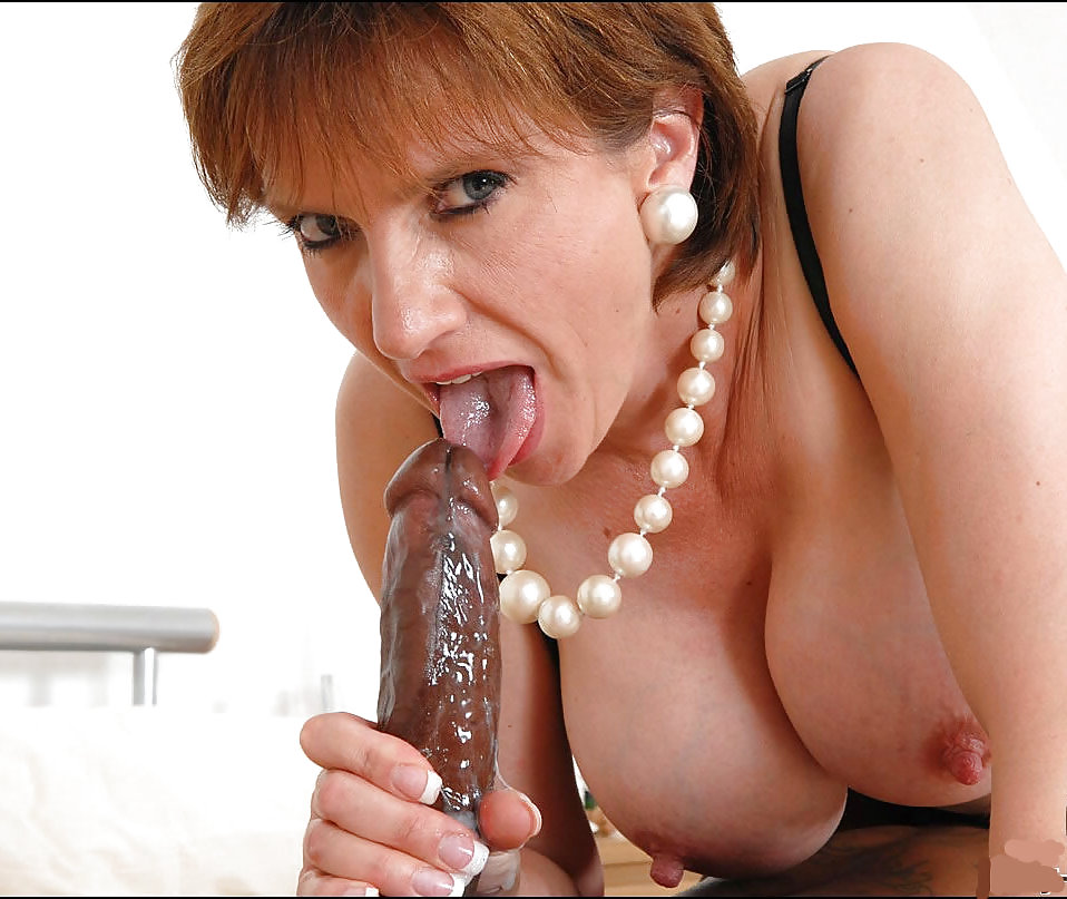 girl-shitting-cum-on-lady-sonia-nude