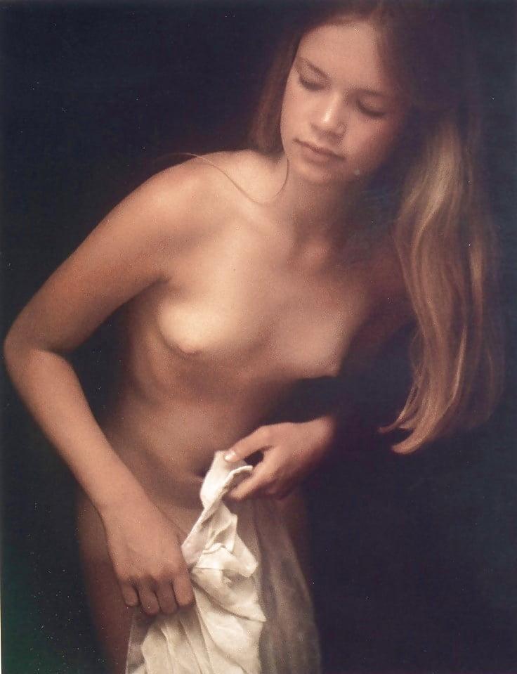 Chloe Hamilton Nude