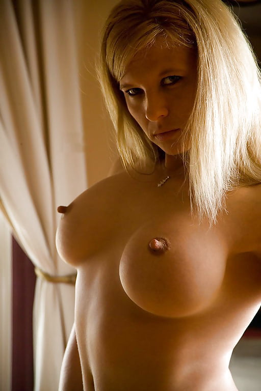 Sexy women with hard nipples nude — pic 6