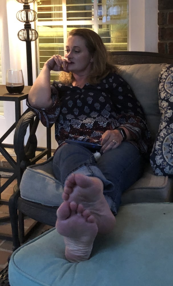 Irene feet fetish mistress