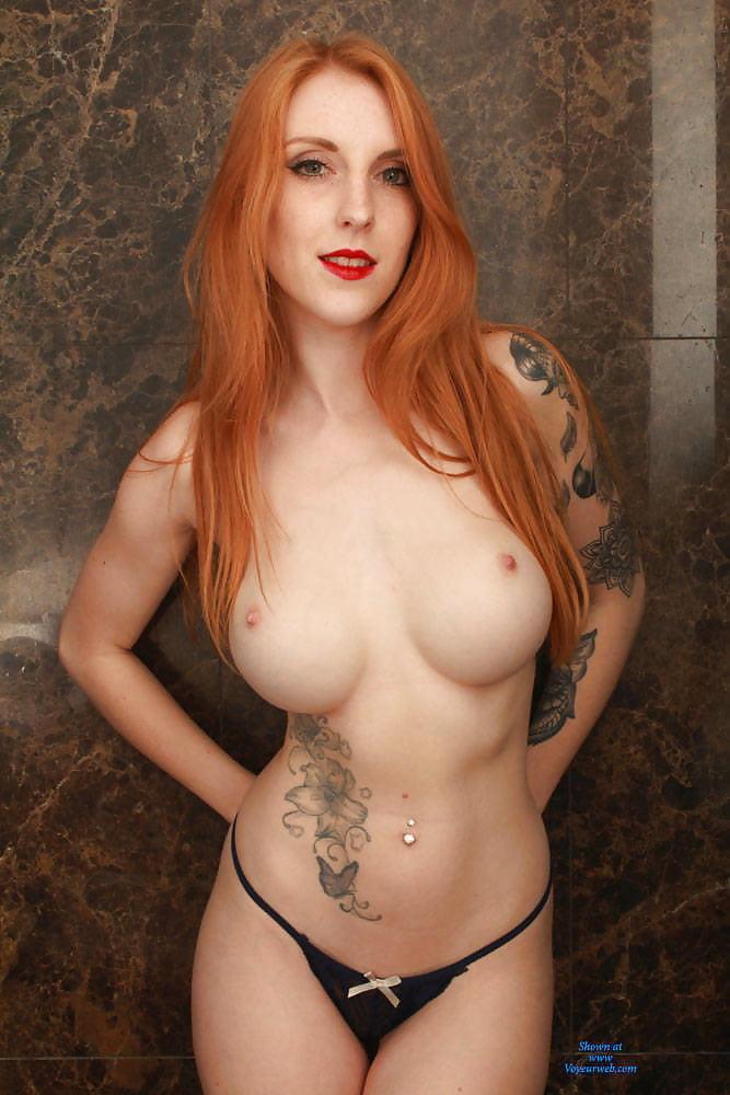 Amateur blonde model nude