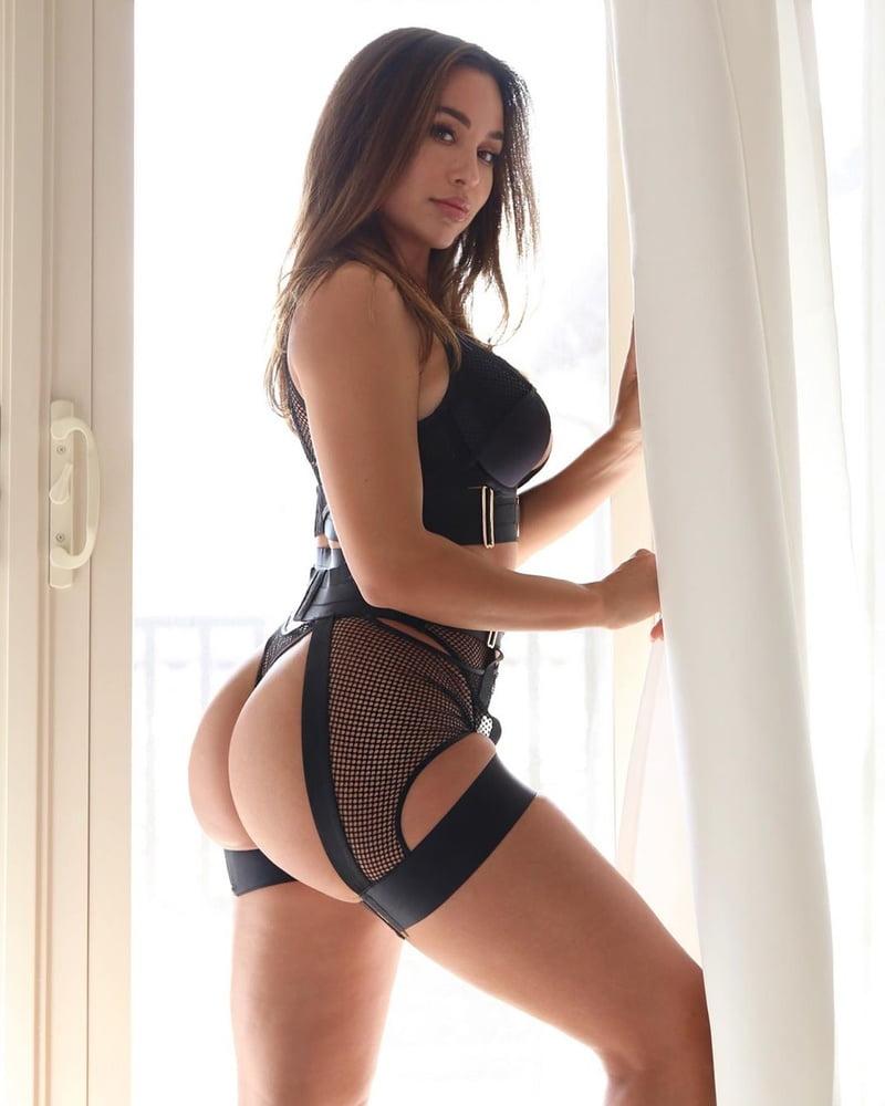 Sexy latina get cumblasted-8500