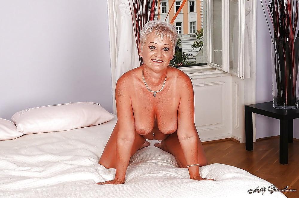 Sexy mature big tits-9845