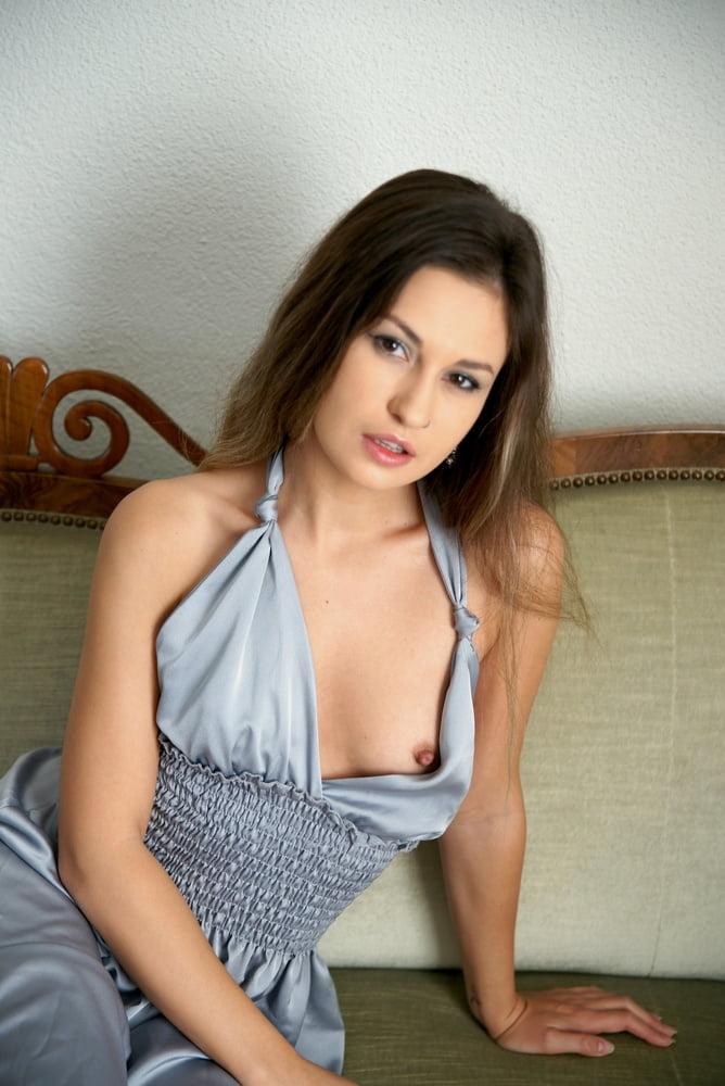 Beautiful latina hd