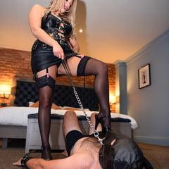 Obey Mistress Kaz