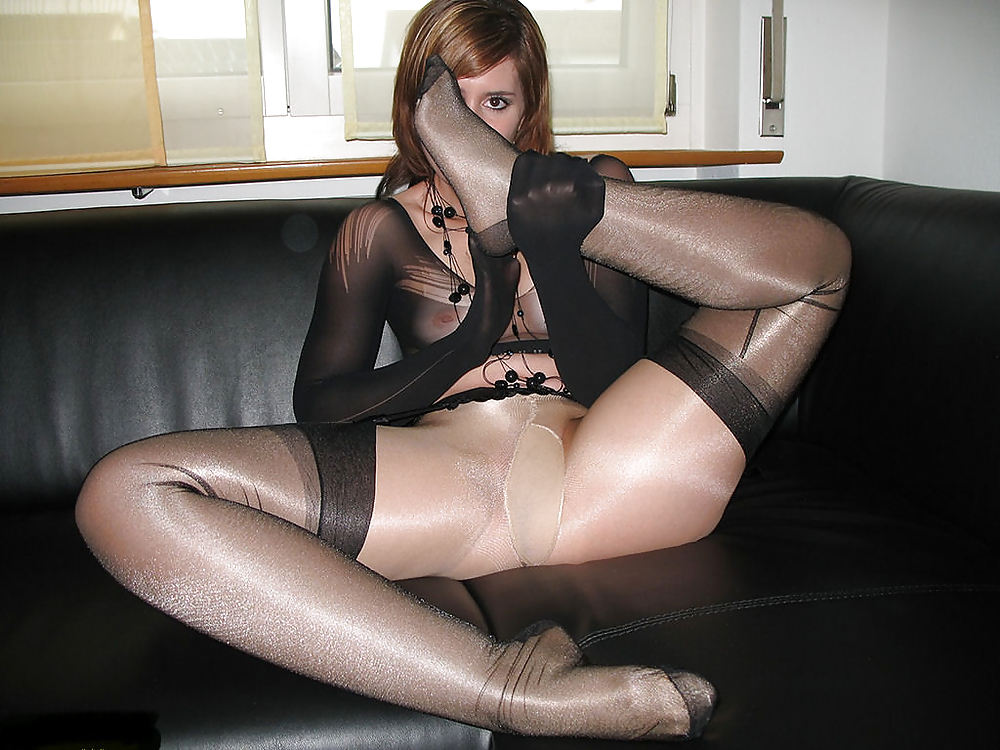 Nylon and pantyhose fetish videos and