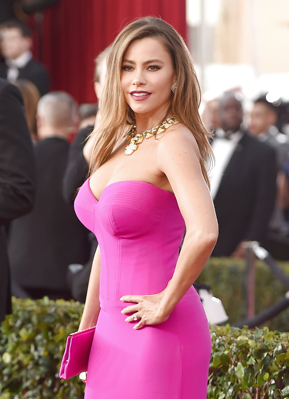 Sofia Vergara Poses Nude, Talks Weight Loss, Plastic Surgery In Women's Health