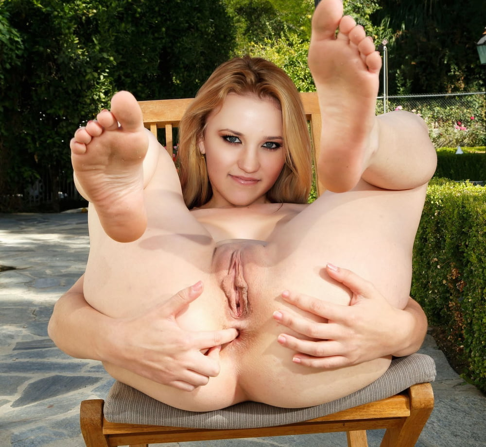 emily-osment-naked-feet