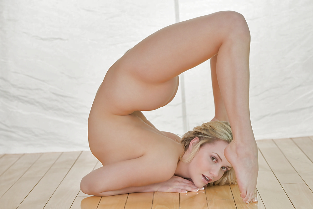 Porn flexible girl — photo 4
