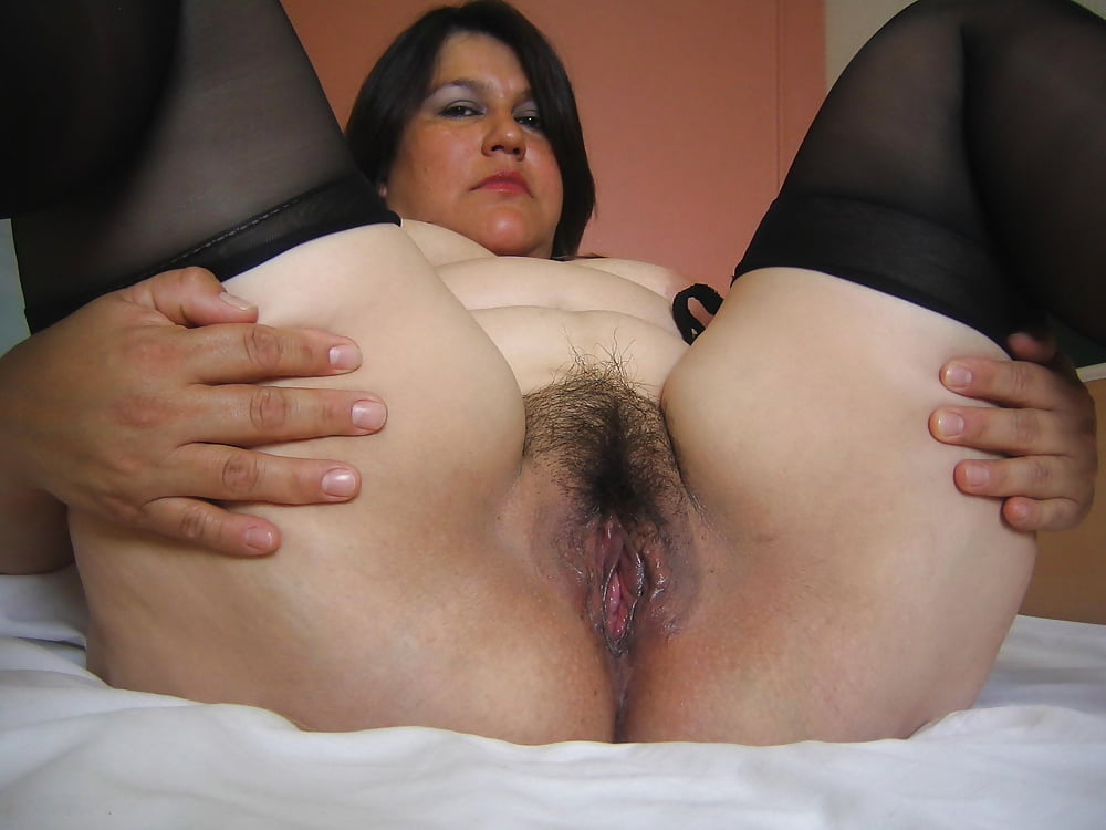 Thick and hairy women-6313