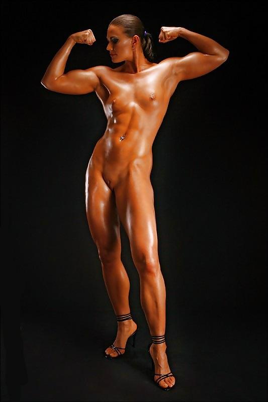 Topless Naked Female Crossfit Scenes