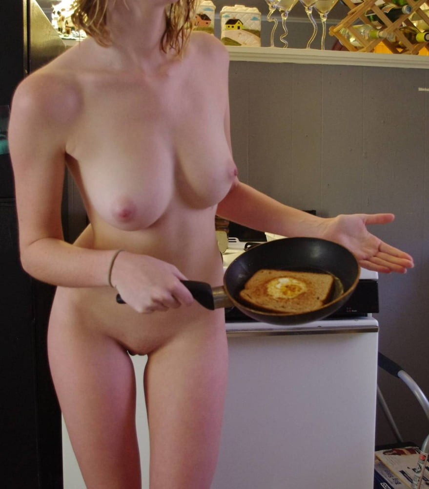 Naked chicks cooking — pic 12