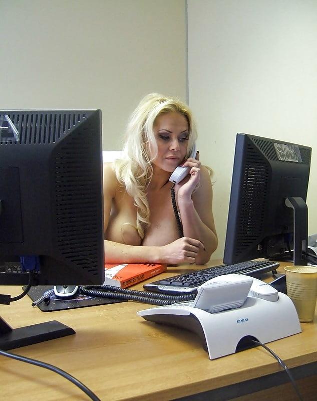 Порнографии любительское видео с секретаршей красоткой подругой