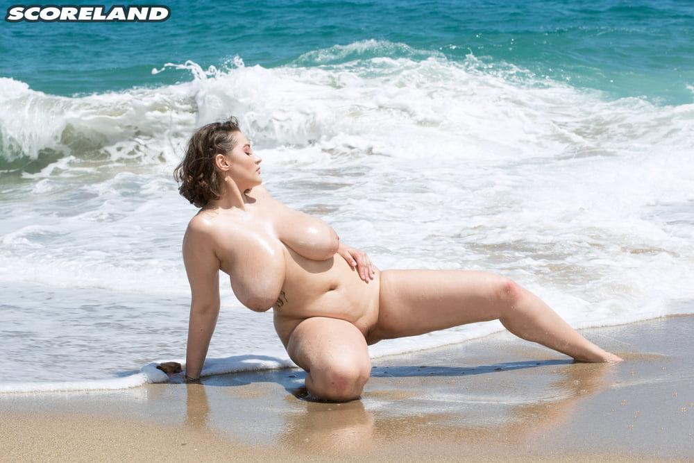 penetration-busty-nude-beach-hardcore