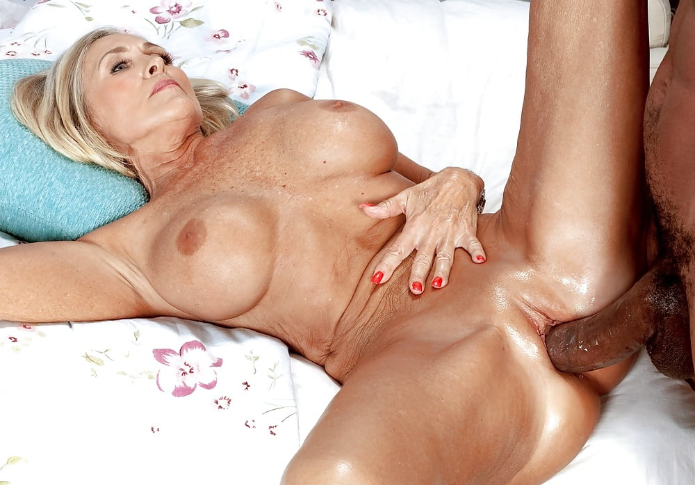 Nude milf katia #12