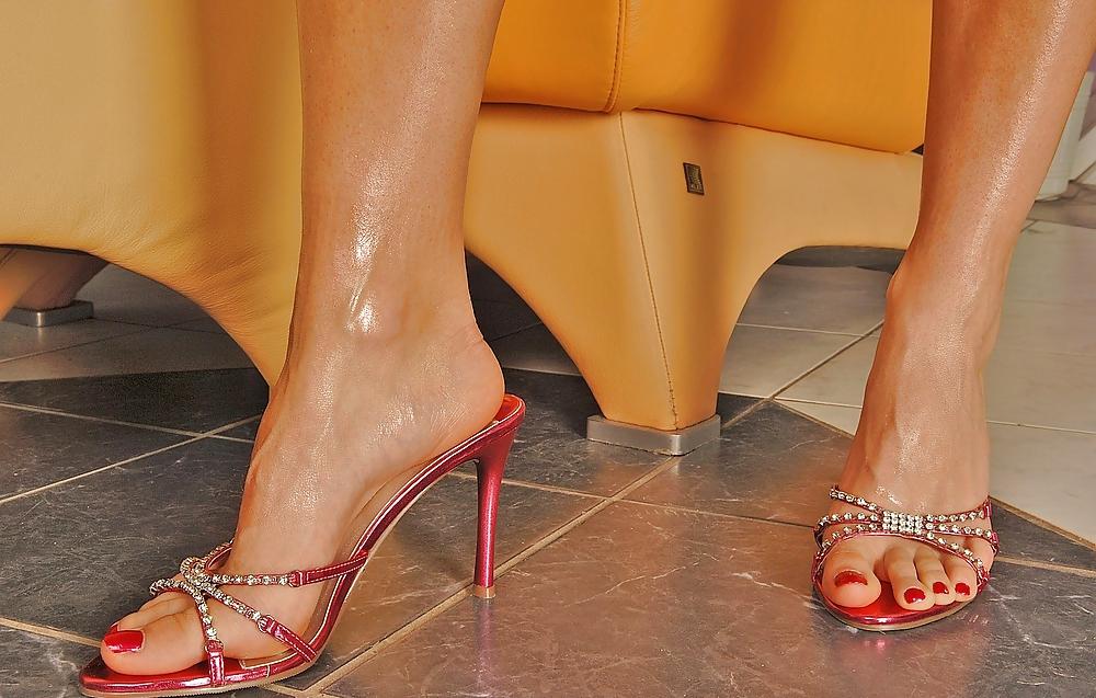 famous-pornstars-feet-chichi-nude-japan