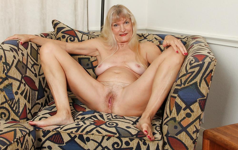 suki-starie-golie-tut-mnogo-zrelih-odinokih-zhenshin