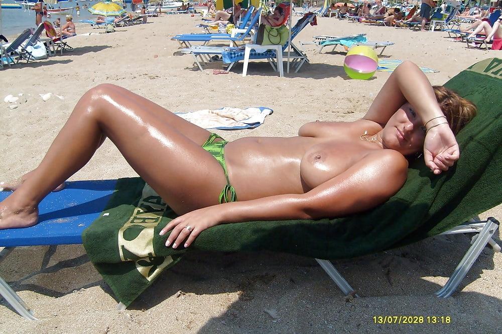 roxy-louw-topless-pics