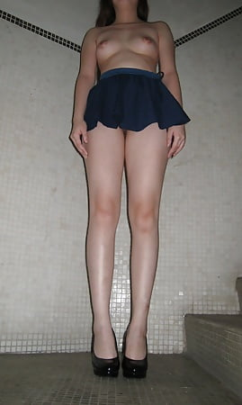 Japanese mature peeing