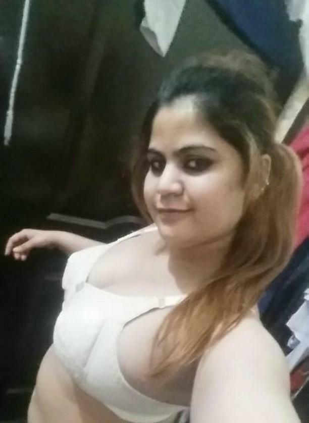 pakistani aunty big boobs
