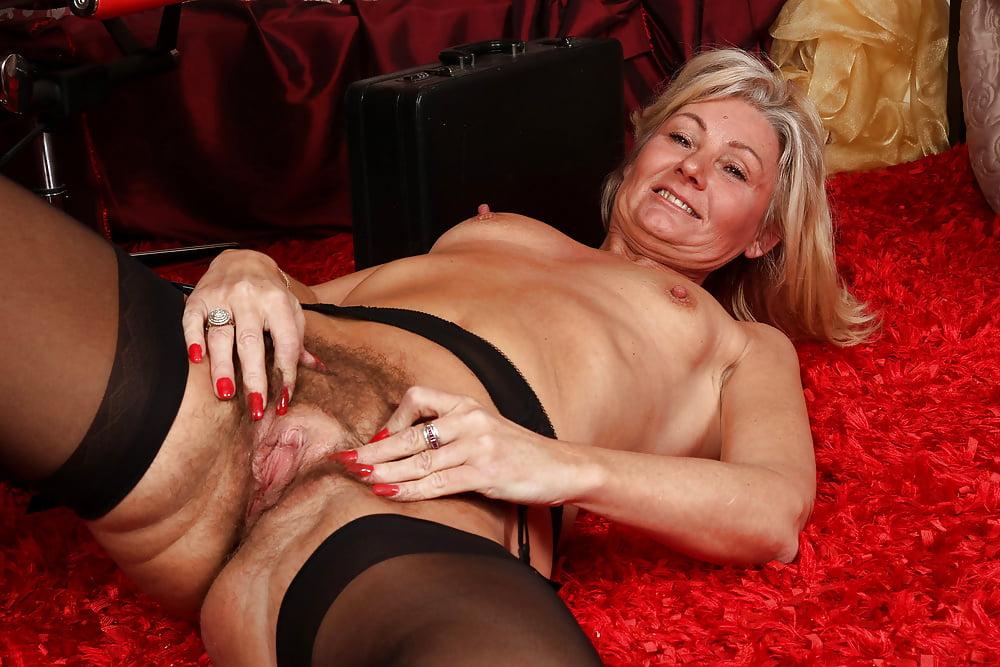 Фото старая проститутка, секс с блонди шимейл