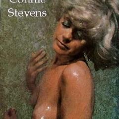 Stevens nackt Connie  Dreama Walker