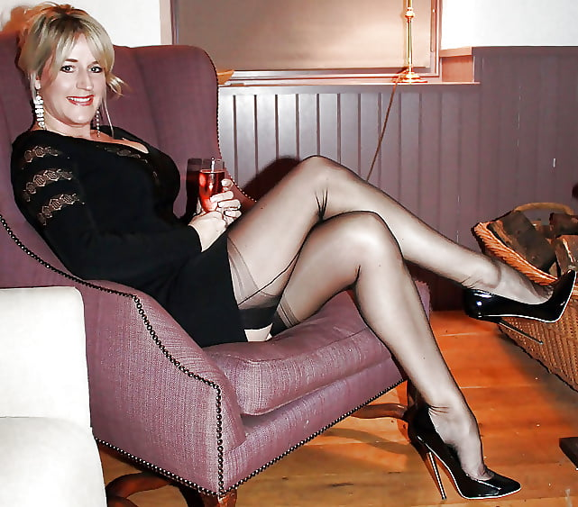 Mature women in nylons videos free