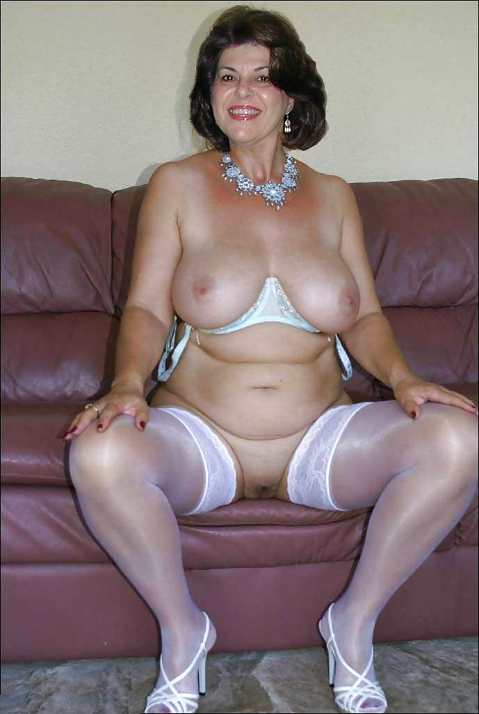 Older Women Dressed Like Sluts - 55 Pics - Xhamstercom-6934