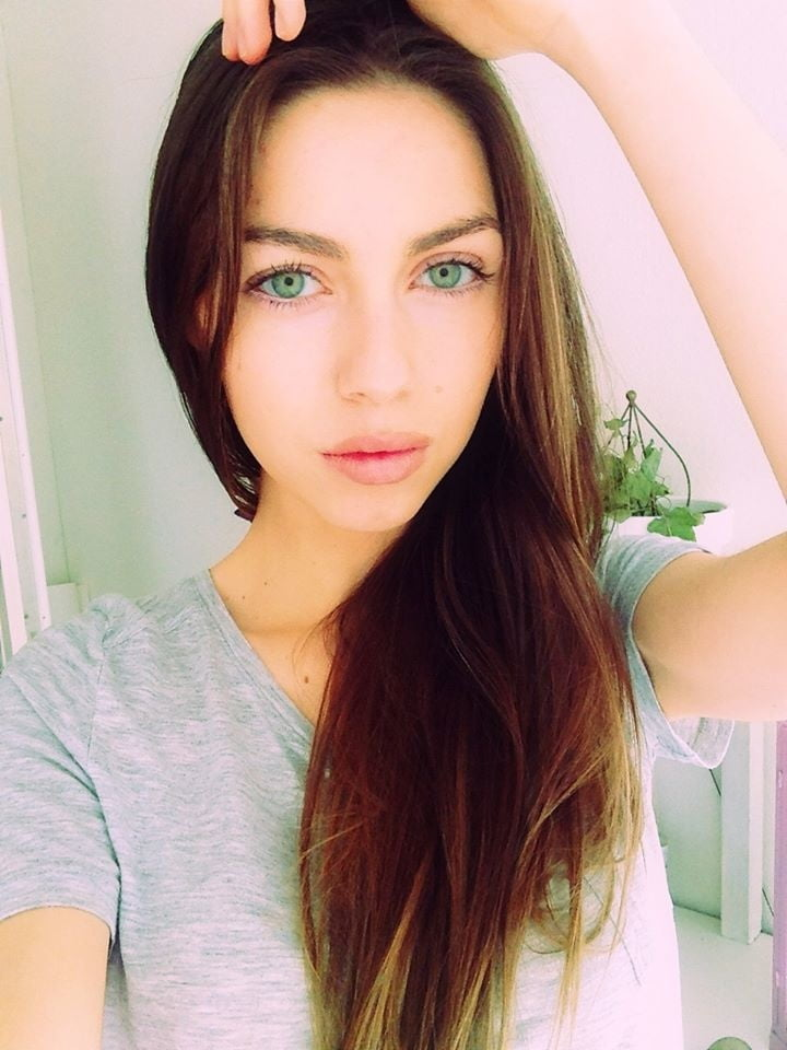 Most beautiful arab girl in the world