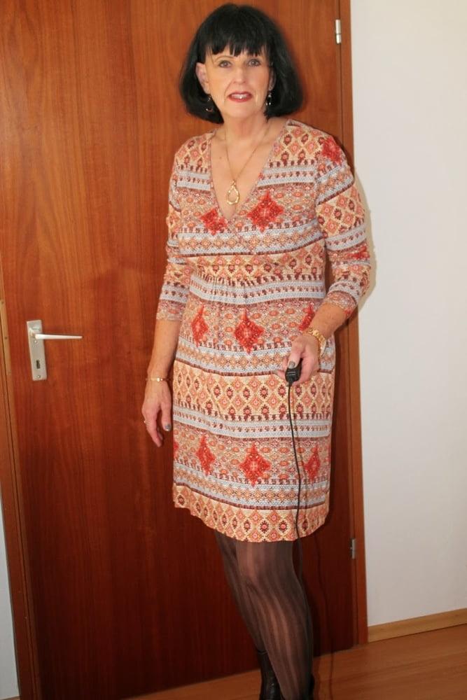 Mature Women Fully Dressed 14 - 66 Pics