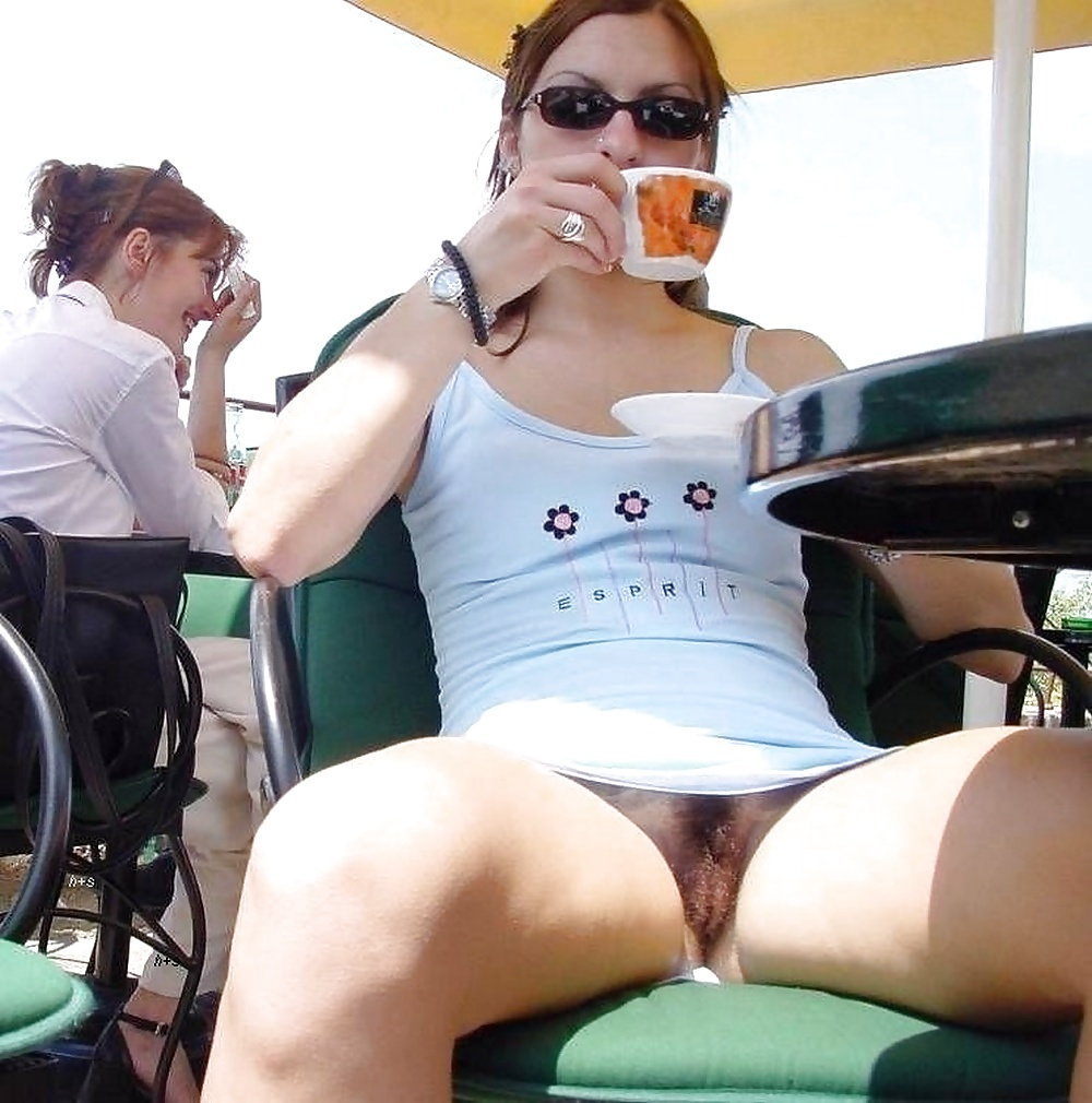 upskirt-no-panties-public-videos