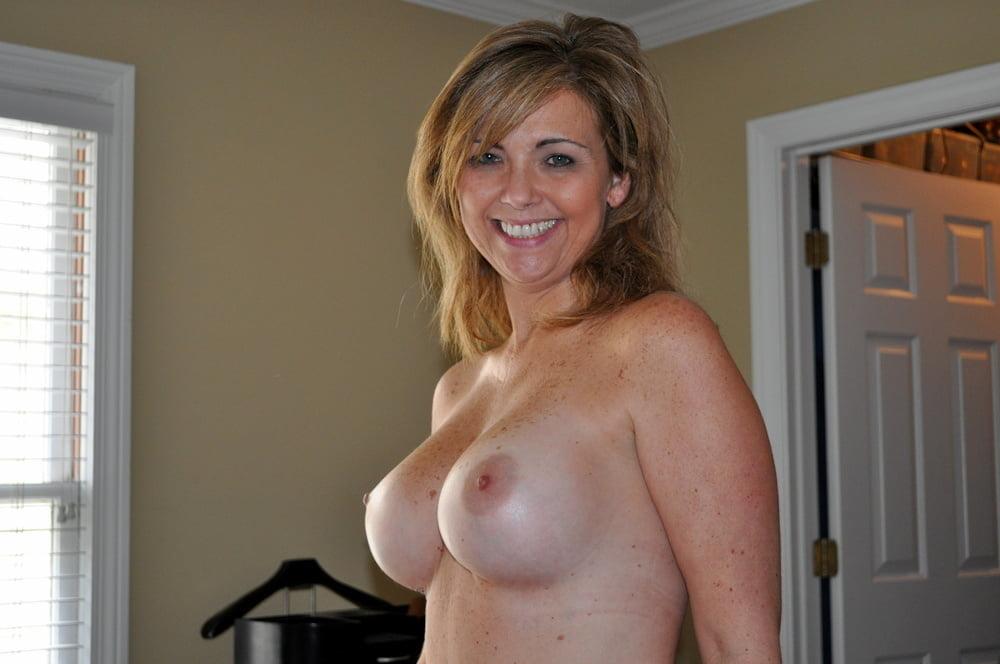 Beautiful nude mature milf cougar woman