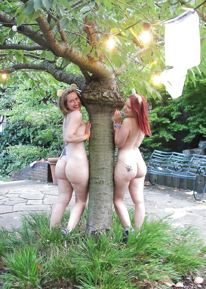 xxx-butt-naked-outdoors-bukkake-tube