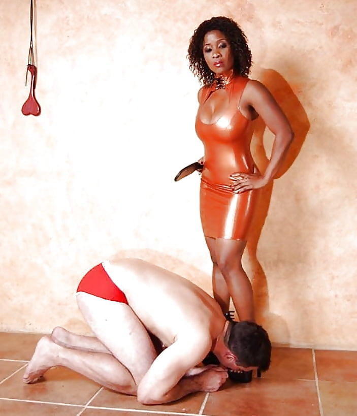 girls-nacked-black-woman-and-femdom-party-girl-fuck