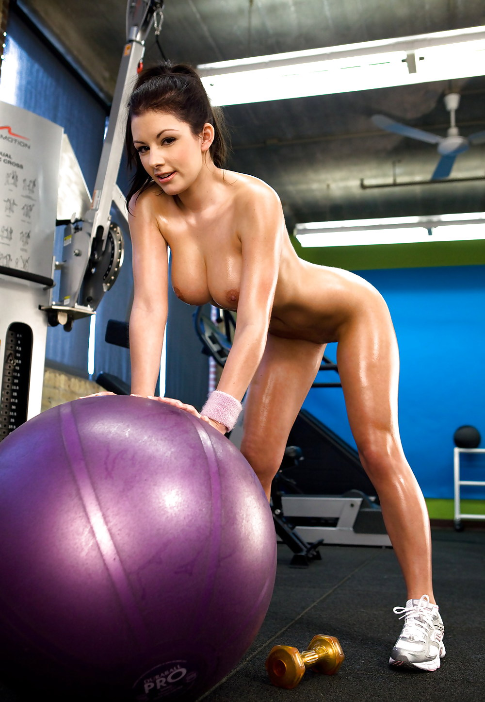 pornstar-workout-pics-photos-naked-girls-at-the-strip-club
