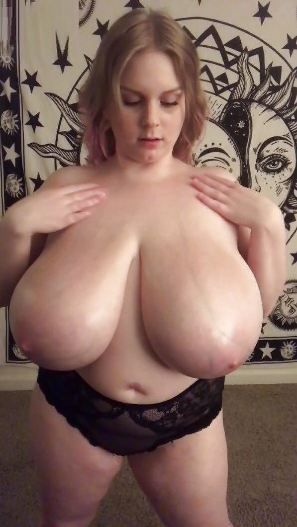 Жена с массивными титьками фото
