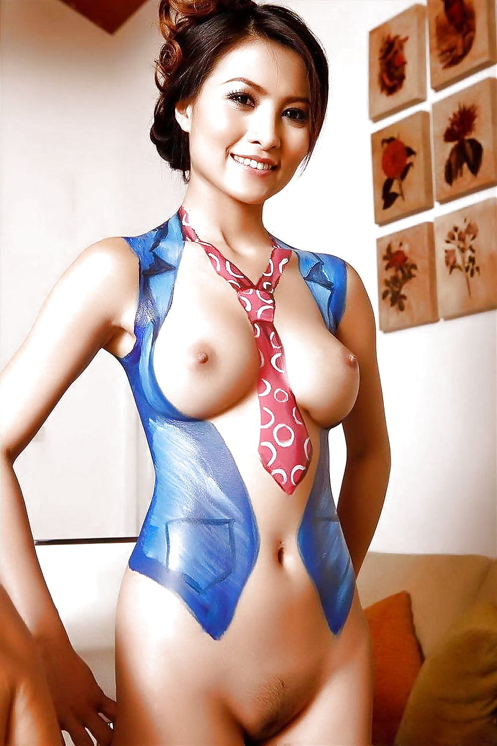 body paint cosplay girls